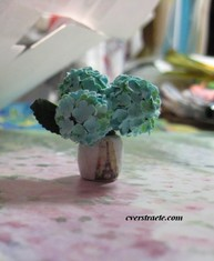 dollhouse miniature flowers